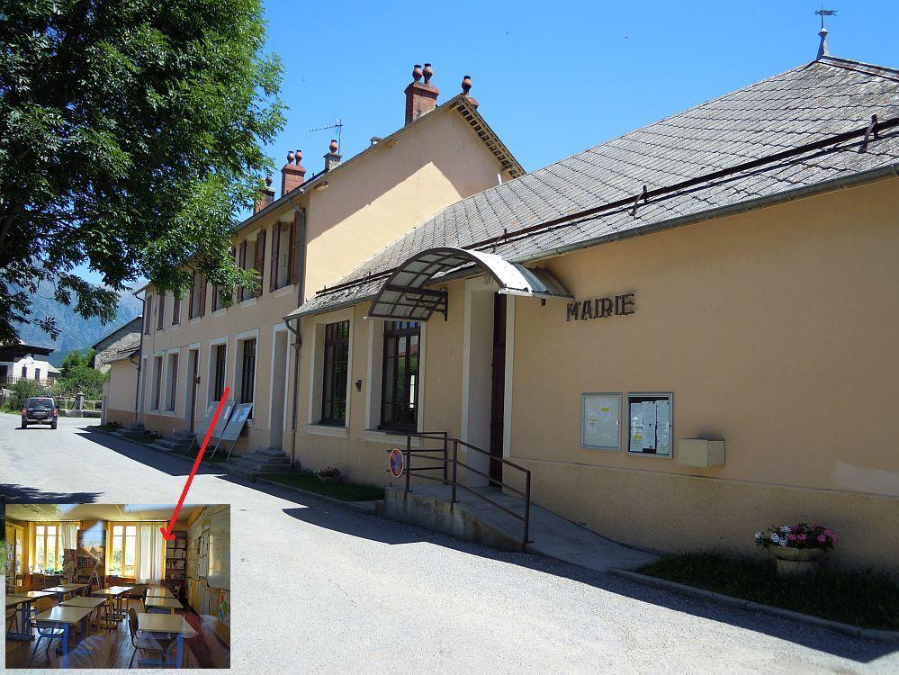 Mairie et école de Poligny