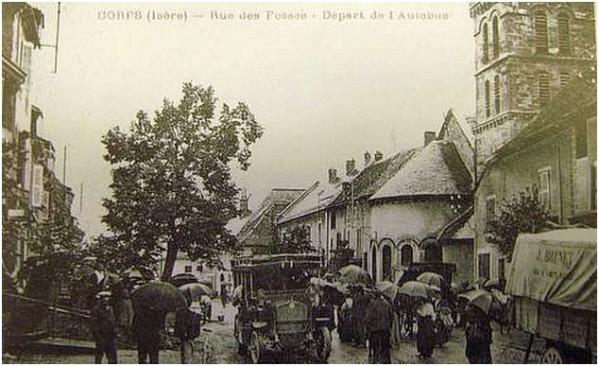 Autobus-Notre-Dame-de-La-Salette.JPG