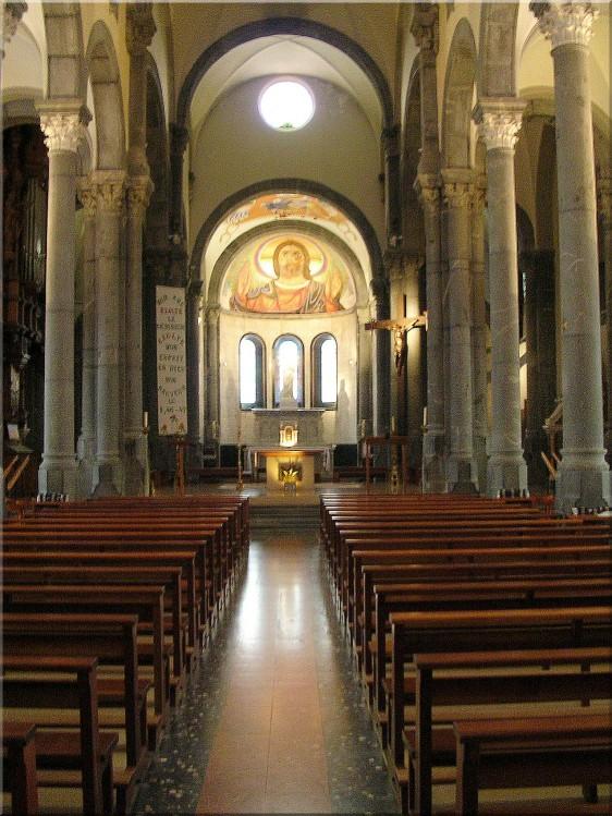 Basilique-Notre-Dame-Salette.jpg