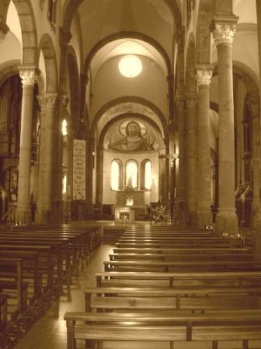 Basilique-Notre-Dame-de-La-Salette-copie-1.jpg