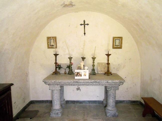 Chapelle-des-maquisard-champoleon.jpg