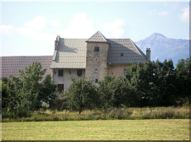 Chateau-Lombard-2.jpg