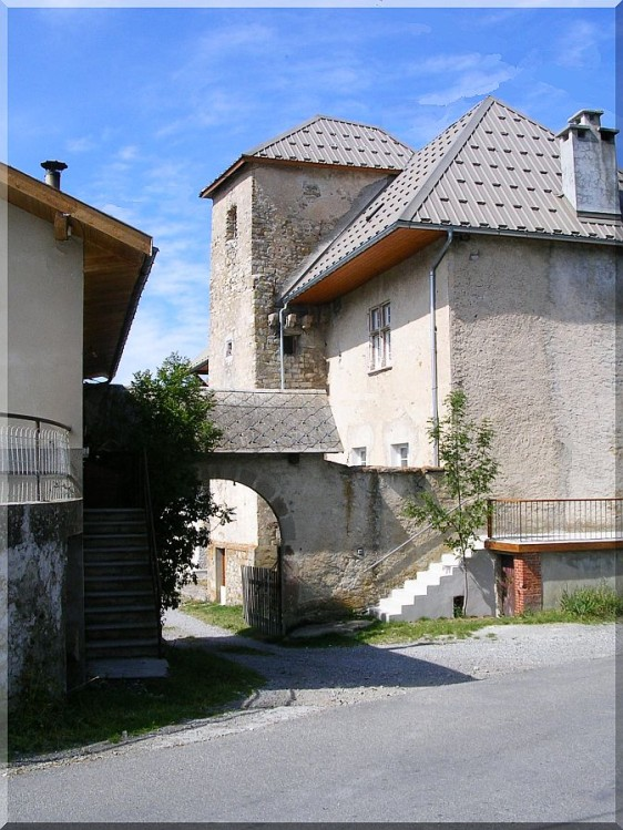 Chateau-Lombard.jpg