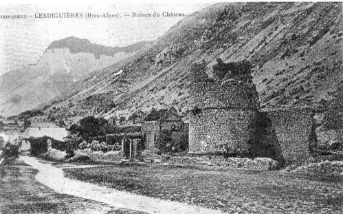 Chateau-de-Lesdigui--res-en-1920----2--.jpg