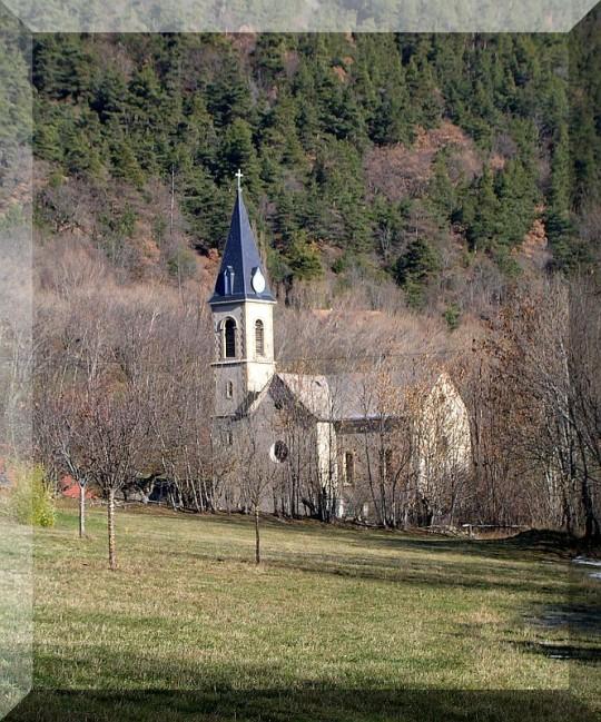 Eglise-de-La-Motte-en-Champsaur.jpg