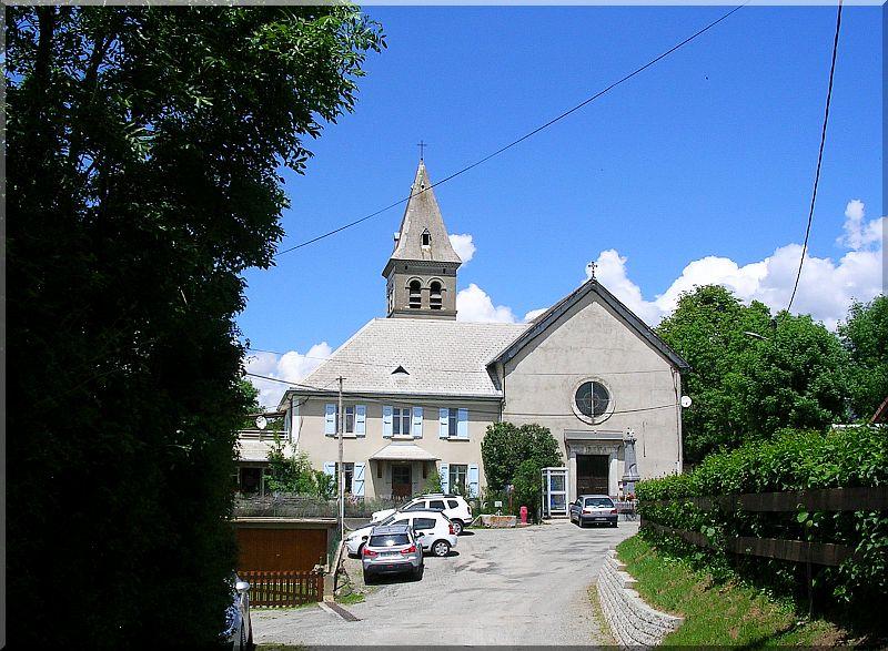 Eglise-de-Laye.jpg