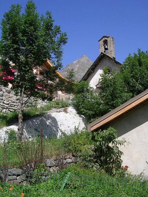 Eglise-des-Gondoins.jpg