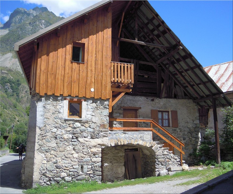 Ferme-la-chapelle-en-Valgaudemar.jpg