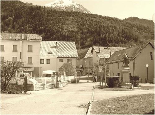 Hotel-Pont-du-Fosse.jpg