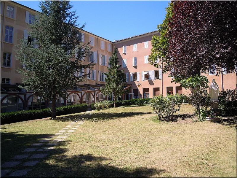 Hotellerie-Notre-Dame-du-Laus.jpg