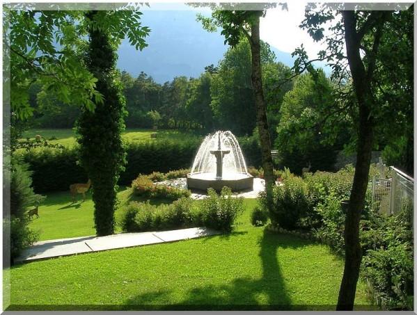 Jardin-du-chateau-des-Herbeys-R.jpg