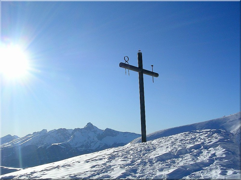 La-croix-de-la-salette.jpg