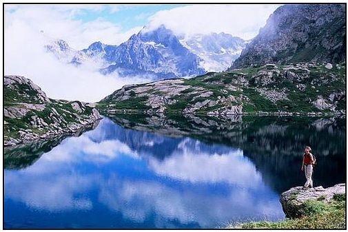 Lac-de--Petarel.JPG
