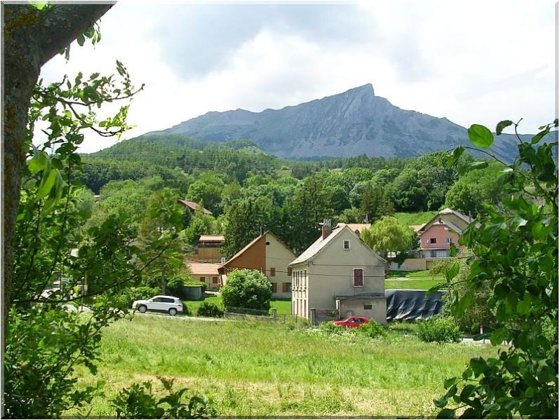 Laye-village.jpg