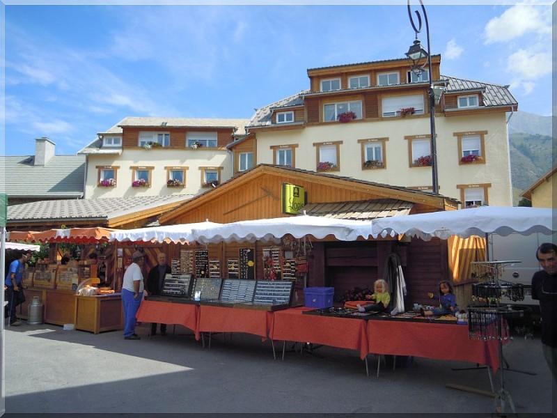 Le marché d'Ancelle-copie-1