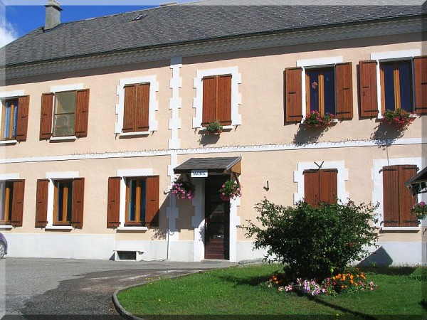 Mairie-Chauffayer.jpg