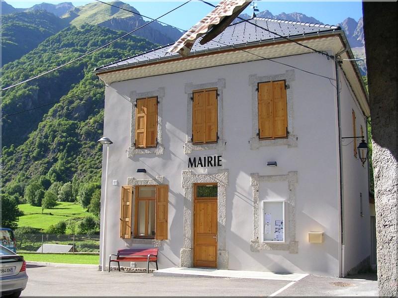 Mairie-Villar-Loubiere.jpg