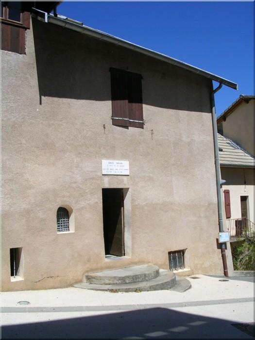 Maison-de-Benoite-Rencurel-au-Laus.jpg