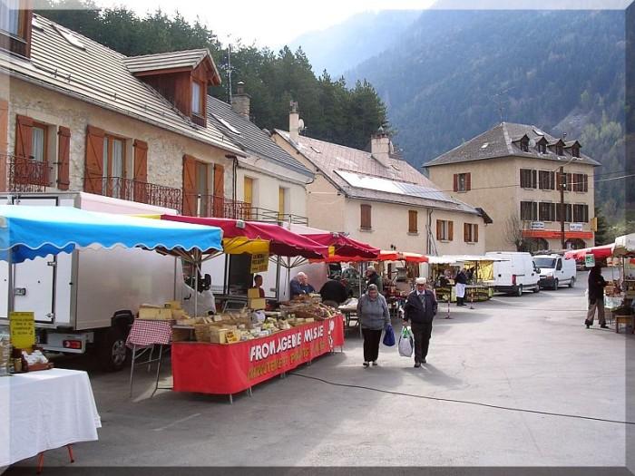 Marche-de-Pont-du-Fosse.jpg