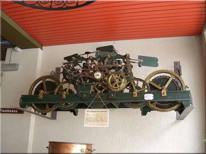 Mecanisme-horloge-de-Notre-dame-Salette.jpg