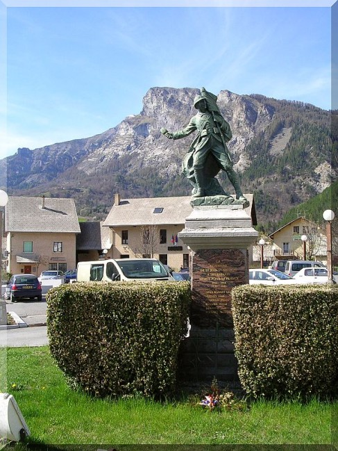 Monuments-aux-morts-de-Pont-du-Fosse.jpg