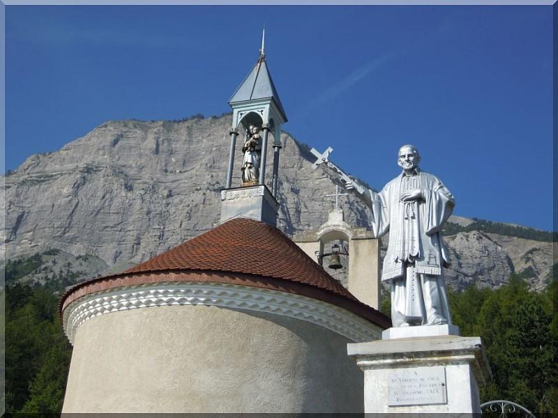 Notre-Dame-de-Bois-vert-La-Fare.jpg