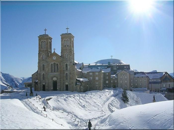 Notre-Dame-de-La-Salette2