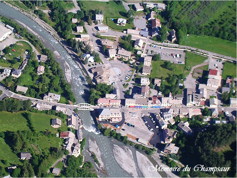Photo-aerienne-Pont-du-Fosse.jpg