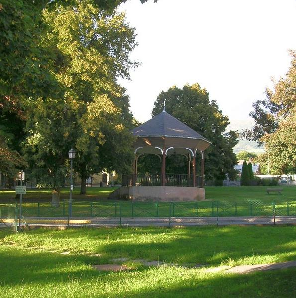 Photo-du-square-de-Saint-Bonnet-en-Champ
