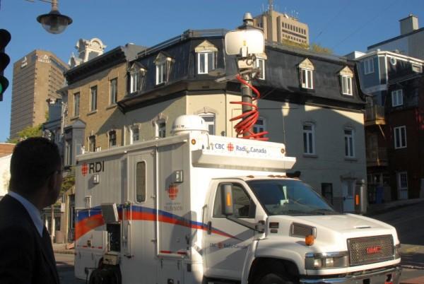 Radio-canada-commemoration-Obiou.jpg