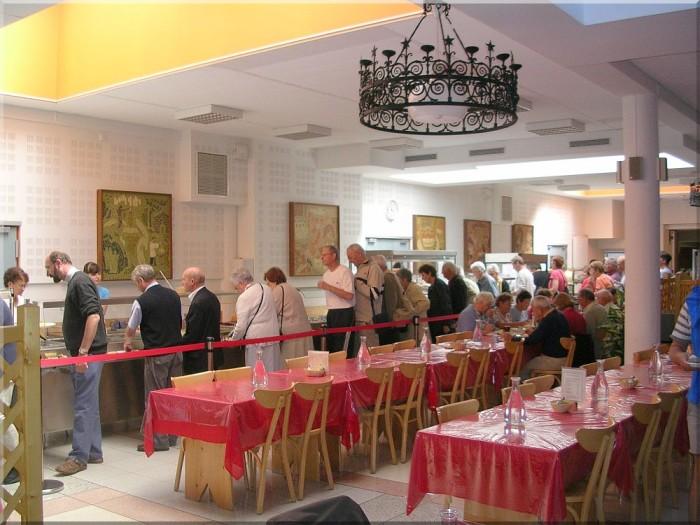 Restaurant-de-notre-dame-de-la-Salette.jpg