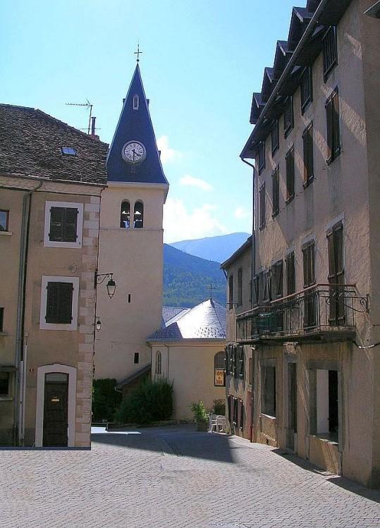Rue-Lesdiguieres---Saint-Bonnet.jpg