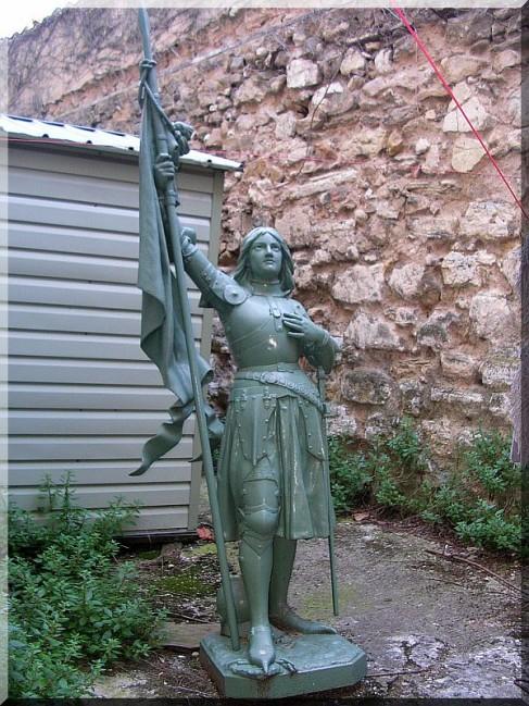 Statue-Sainte-Jeanne-D-Arc.jpg