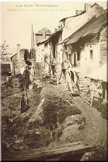 Village-Corps.jpg