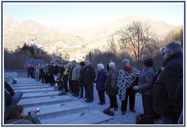 commemorations-obiou-13-novembre-2010-.-cimetiere-canadie.jpg