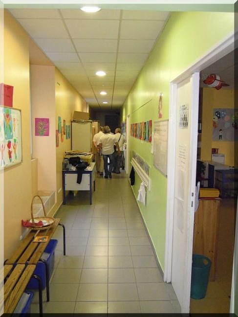 couloir-ecole.jpg