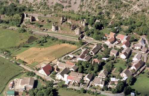 lesdigui--res-village-avion.jpg